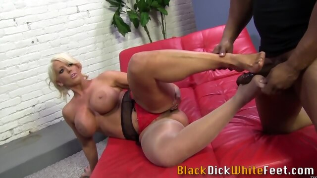 Milf gets cum on feet from big.. hd