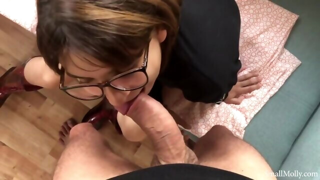 Longest Peeing you've ever seen.. amateur brunette cumshot